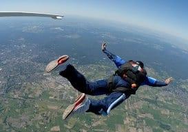 skydving flexible hips and shoulders